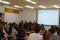 Члены методической комиссии и жюри проводят разбор заданий письменного тура Олимпиады