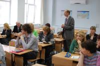 Декан географического факультета ПГНИУ Александр Иванович Зырянов комментирует выступление своих коллег на встрече с учителями участников Олимпиады